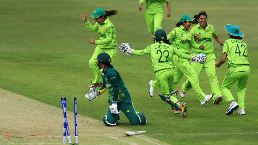 Pakistan brushed aside by England