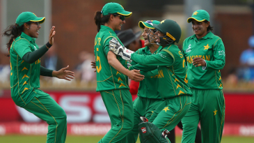 Pakistan celebrate a good day in the field
