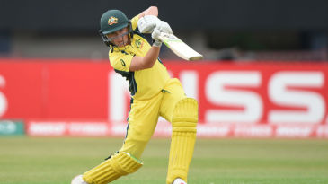 Alyssa Healy hit nine fours and a six in her unbeaten 40-ball 63