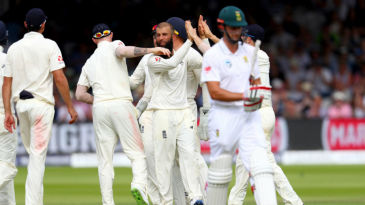 Theunis de Bruyn falls to Moeen Ali as England close in