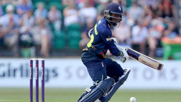 Daniel Bell-Drummond marshalled Kent's run chase