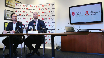 ACA chief executive Alistair Nicholson (right) and general manager Tim Cruickshank at a press conference