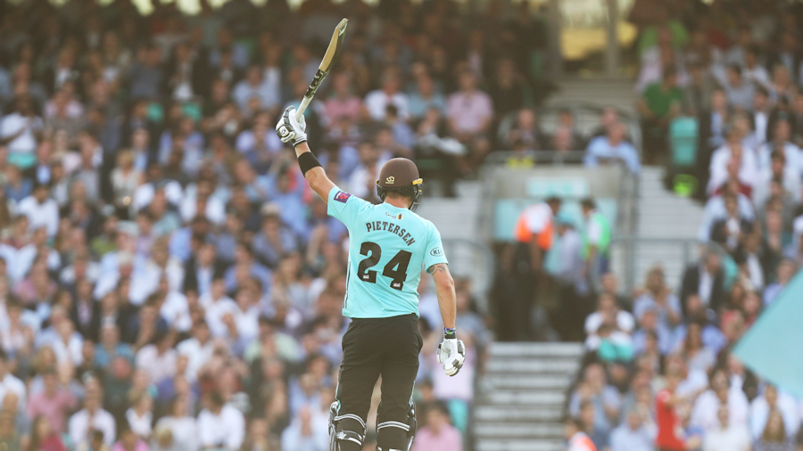 Six-hitting Pietersen back in style for Surrey