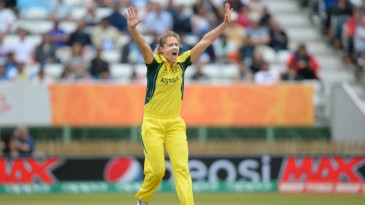 Ellyse Perry goes up in appeal