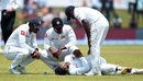 Asela Gunaratne injured his wrist while attempting a catch at second slip, Sri Lanka v India, 1st Test, Galle, 1st day, July 26, 2017