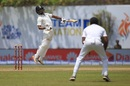 Wriddhiman Saha is made to hop by a bouncer, Sri Lanka v India, 1st Test, Galle, 2nd day, July 27, 2017