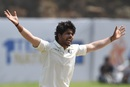 Umesh Yadav appeals for the wicket of Dimuth Karunaratne, Sri Lanka v India, 1st Test, Galle, 2nd day, July 27, 2017