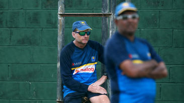 Sri Lanka's cricket manager Asanka Gurusinha denies excluding Graham Ford from meetings while the latter was the team coach