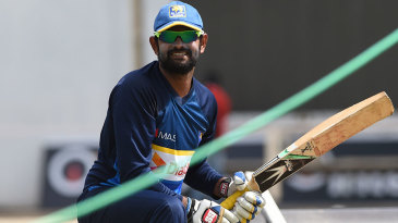 Lahiru Thirimanne trains on the eve of the SSC Test, having made a return to the Test squad