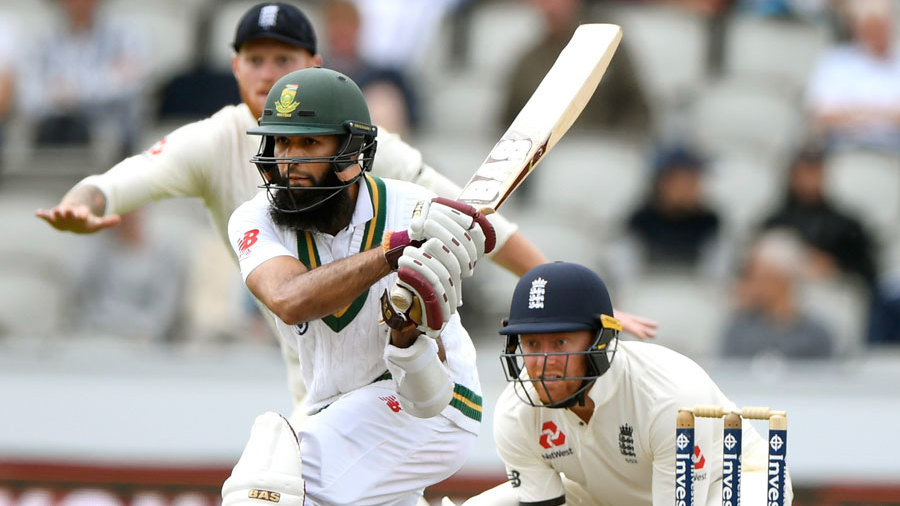 Hashim Amla shapes to reverse-sweep