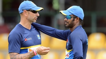 Nic Pothas and Upul Tharanga at a training session