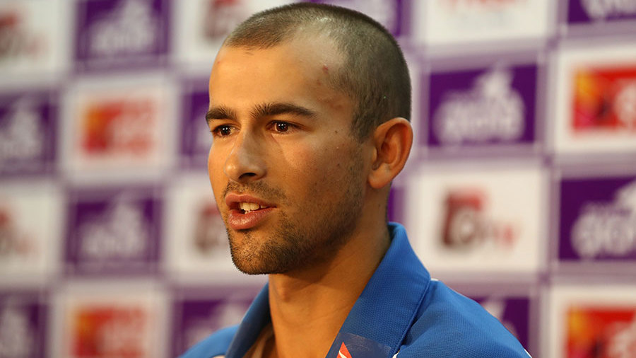 Ashton Agar speaks at a press conference