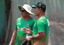 Chandika Hathurusingha has a chat with Sunil Joshi, Dhaka, August 22, 2017