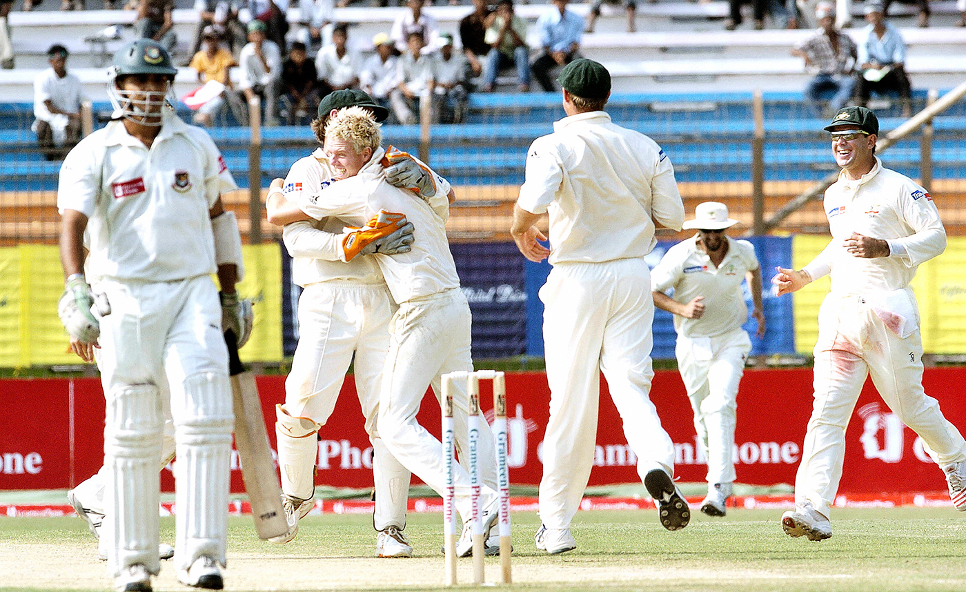 Cullen celebrates what became his only Test wicket - a caught-behind to dismiss Mashrafe Mortaza