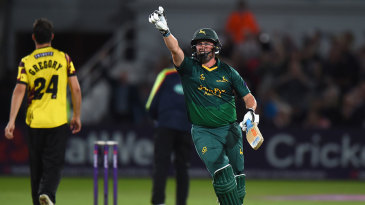 Steven Mullaney celebrates the winning runs which took Notts to Finals Day