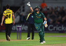 Steven Mullaney celebrates the winning runs which took Notts to Finals Day, Nottinghamshire v Somerset, NatWest T20 Blast, Quarter-final, Trent Bridge, August 24, 2017