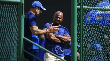 Nic Pothas and Sanath Jayasuriya have a chat