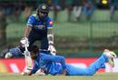 Chamara Kapugedera collides with Axar Patel, Sri Lanka v India, 3rd ODI, Pallekele, August 27, 2017