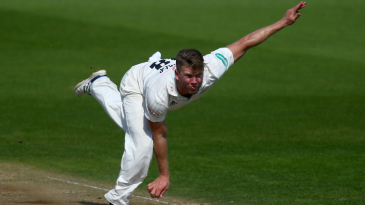 Stuart Meaker cranks up the pace for Surrey