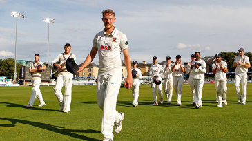 Jamie Porter leads Essex off after his match-winning 7 for 55