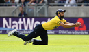 Grant Elliott lunges to hold on to a catch, Birmingham v Glamorgan, NatWest T20 Blast, 1st semi-final, Birmingham, September 2, 2017