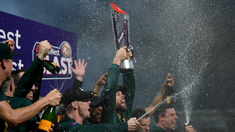 Dan Christian lifts the T20 Blast trophy