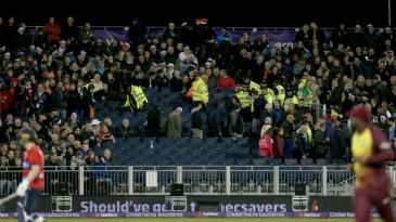 Three spectators were injured during the partial collapse of a stand
