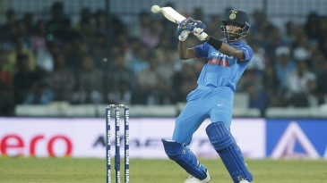 Hardik Pandya looks to ramp one to third man
