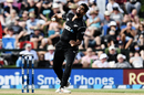 Ish Sodhi bowls, New Zealand v South Africa, 2nd ODI, Christchurch, February 22, 2017