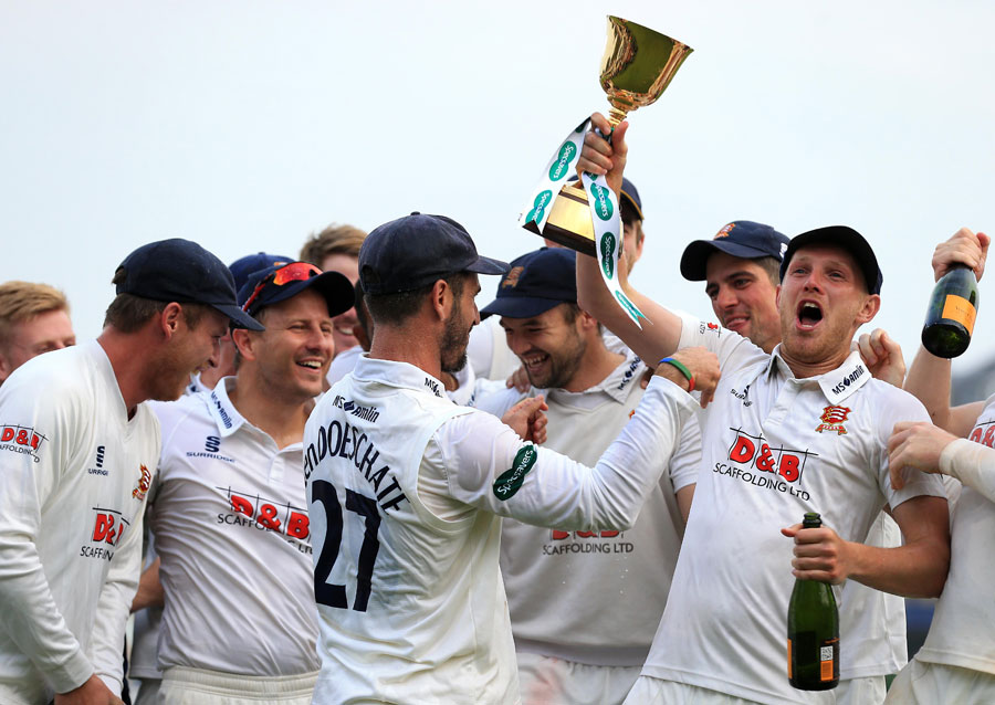 County Champions Essex Sign Australia's Peter Siddle