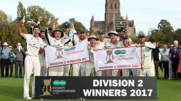 Worcestershire celebrate winning the Division Two title