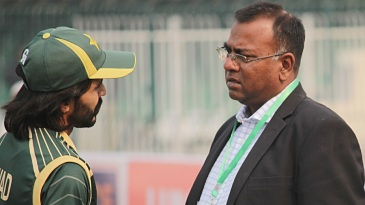 Basit Ali has a chat with Fawad Alam