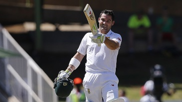 Dean Elgar celebrates his 10th Test hundred