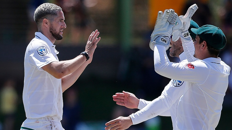 Wayne Parnell nipped out Mushfiqur Rahim at the stroke of lunch
