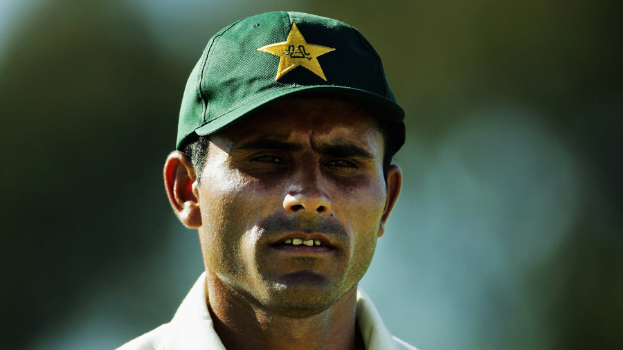 Abdul Razzaq went a bit green and had to drop out of a Test