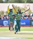 Imran Tahir and his googlies were a problem again, South Africa v Bangladesh, 1st ODI, Kimberley, October 15, 2017