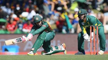 Mushfiqur Rahim gets down to play a sweep