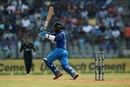 Dinesh Karthik helped stabilise the innings through the middle overs, India v New Zealand, 1st ODI, Mumbai, October 22, 2017