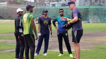 Tom Moody at a training session with Rangpur Riders players