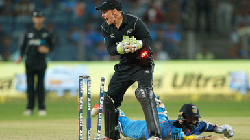 Tom Latham appeals for run out as Dinesh Karthik puts in a dive