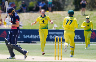 Megan Schutt picked up her second successive four-for