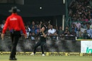 Tim Southee prepares to take a catch, India v New Zealand, 3rd ODI, Kanpur, October 29, 2017