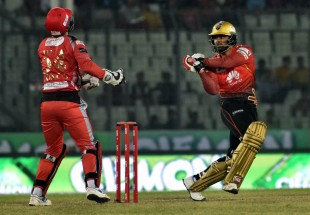 Tamim Iqbal top-edges a pull to third man