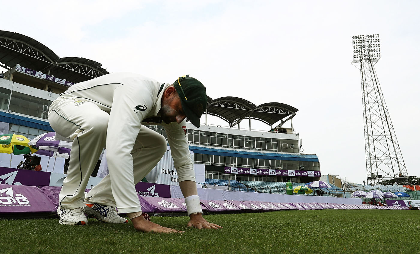 Nathan Lyon enters the ground
