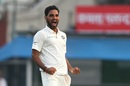 Bhuvneshwar Kumar bowled some unplayable deliveries, India v Sri Lanka, 1st Test, Kolkata, 5th day, November 20, 2017