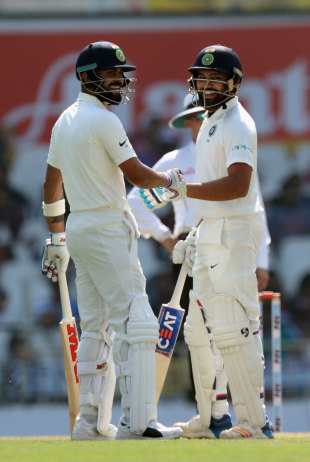 Virat Kohli and Rohit Sharma have a chat between overs