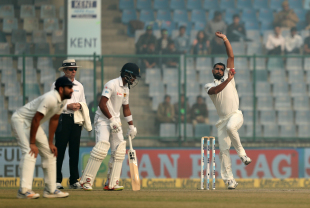 Mohammed Shami sizes up his target in his run-up