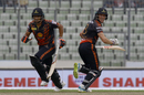 Michael Klinger and Ariful Haque run between the wickets, Rangpur Riders v Khulna Titans, BPL 2017-18, Eliminator, Mirpur