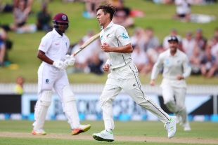 Trent Boult took a sensational catch to dismiss Shimron Hetmyer