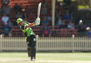 Harmanpreet Kaur steers one onto the leg side, Sydney Thunder v Sydney Sixers, Women's Big Bash League, Sydney, December 10, 2017